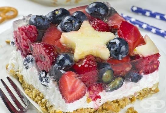 Сладкиш с натрошени солети и желирани плодове - изображение