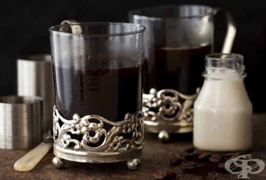 Кафе с кокосов ликьор - изображение