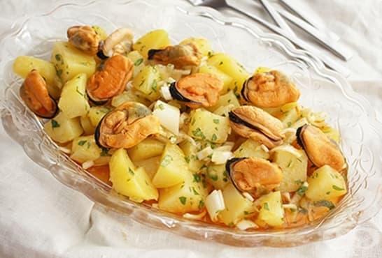 Картофена салата с миди и лимон - изображение