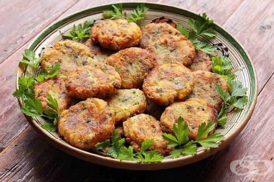 Картофени кюфтета с топено сирене и шунка - изображение