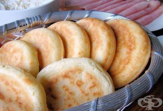 Картофени питки с извара, шунка и топено сирене - изображение