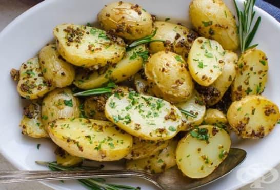 Печени картофи с розмарин, чесън и горчица - изображение