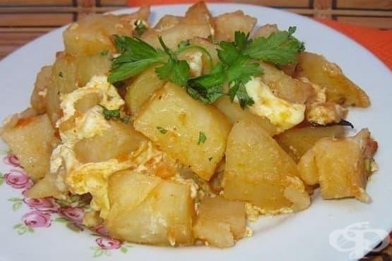 Картофи с млечно-яйчена заливка на фурна - изображение