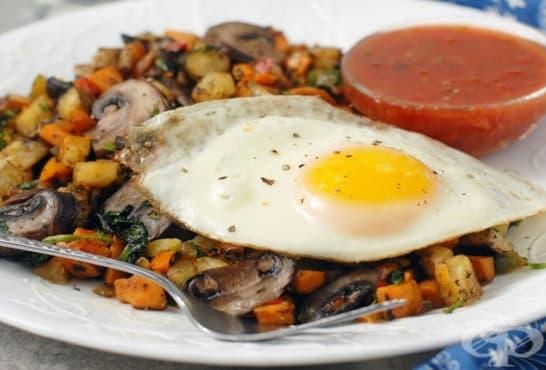 Картофи със спанак, гъби и яйца - изображение