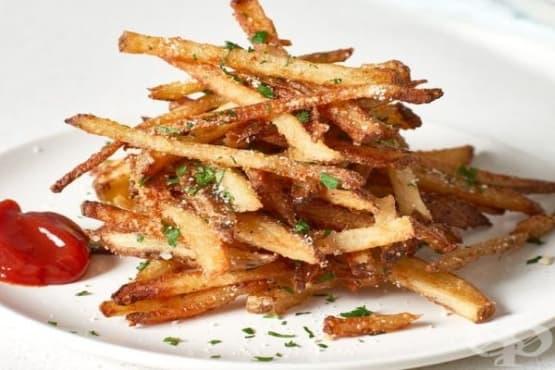 Хрупкави картофки с чесън и пармезан - изображение