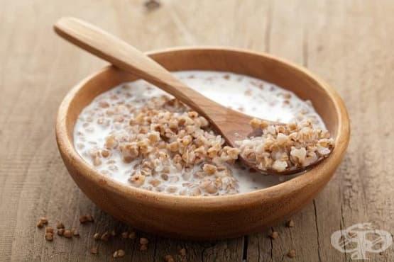 Каша от елда с прясно мляко и захар - изображение