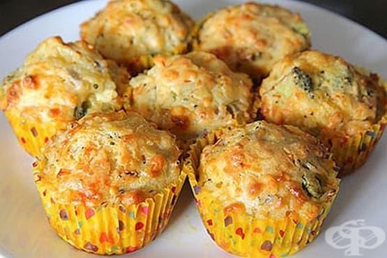 Кашкавалени кексчета с кисело мляко и зеленчуци (без яйца) - изображение