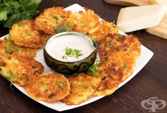 Кашкавалени кюфтета със сирена и млечен сос - изображение