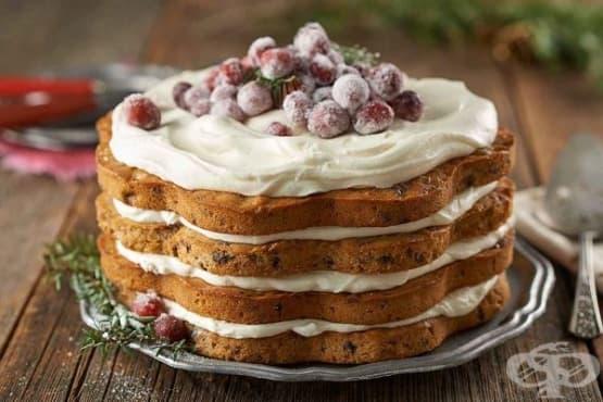 Торта със захаросани боровинки и глазура с крема сирене - изображение