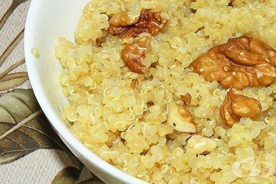 Млечна каша от киноа с орехи и мед - изображение