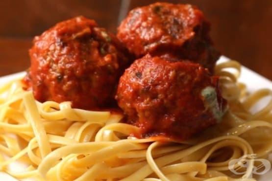 Кюфтета със спанак в доматен сос Маринара - изображение