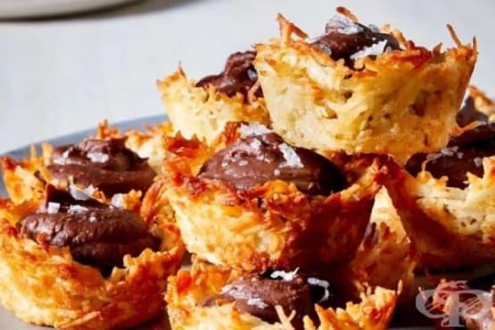 Кокосови кошнички с черен шоколад - изображение
