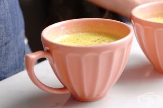 Кокосова напитка с куркума и канела - изображение