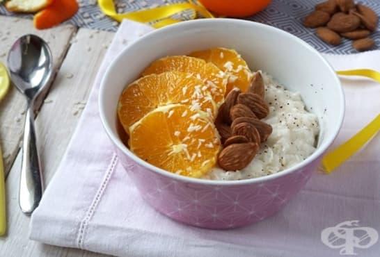 Кокосово мляко с ориз, портокали и бадеми - изображение