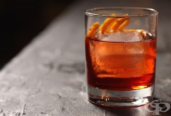 Коктейл с кола, джин и портокал - изображение