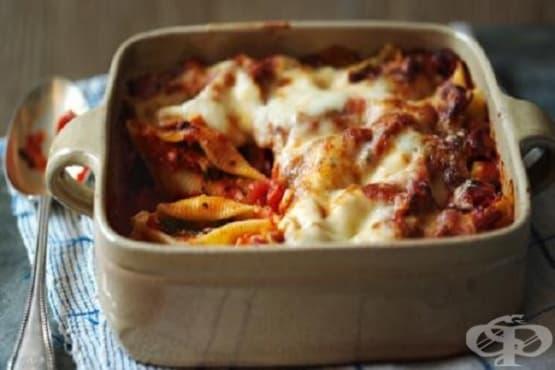 Паста конкильони с рикота и доматен сос - изображение