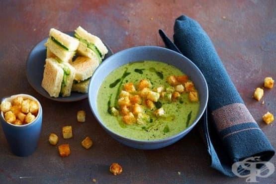 Крем-супа от зелена салата с картофи и чесън - изображение