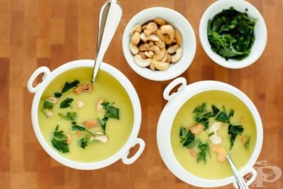 Постна крем супа от карфиол, кокосово мляко и кашу - изображение