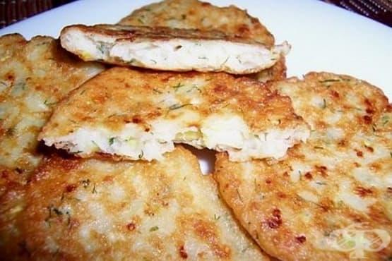 Кюфтета от тиквички с топено сирене, грис и копър - изображение