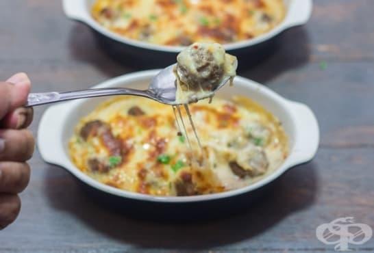 Кюфтета в сос от сирене с кашкавал и сметана - изображение