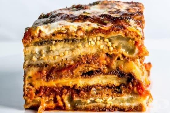 Лазаня от патладжани, пармезан и доматен сос Маринара - изображение