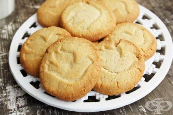 Лимонови бисквити с кардамон и бадемово брашно - изображение
