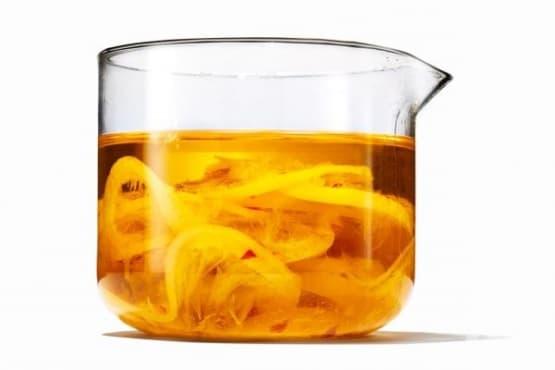 Лимонов зехтин с чесън - изображение