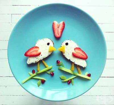 Здравословен детски сандвич с пиленца - изображение