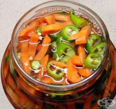 Мариновани пикантни моркови - изображение
