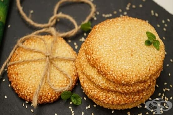 Хрупкави сусамови масленки с ванилов аромат - изображение