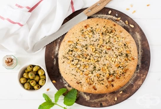 Ментов хляб с ядки и маслини - изображение