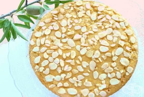 Млечна бадемова пита - изображение