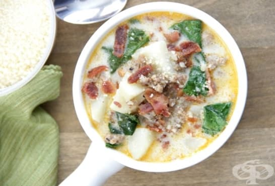 Млечна супа с картофи, кайма и спанак - изображение