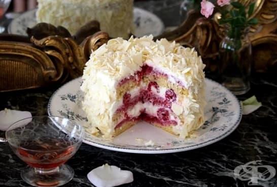 Млечна торта с малини и бял шоколад - изображение