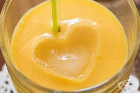 Млечно смути с манго и бял шоколад - изображение