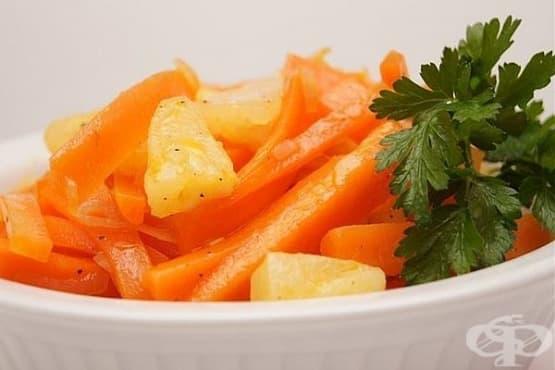 Морковена салата с ананас и чесън - изображение