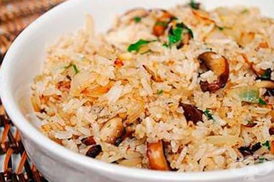 Ориз с ядки и гъби - изображение