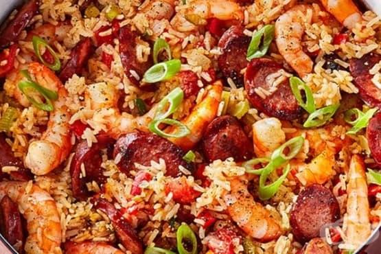 Скариди с ориз и наденица - изображение