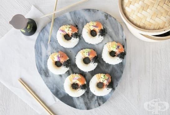 Оризови суши понички със сос - изображение