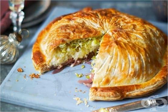 Пай от бутер тесто с карфиол, праз и сирене чедър - изображение