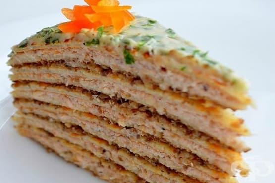 Палачинкова торта с пилешки пастет и гъби - изображение