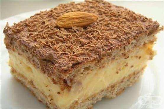 Пандишпанова торта с крем от масло и халва - изображение