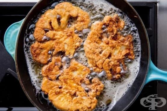 Паниран карфиол със сладко-лютив сос - изображение