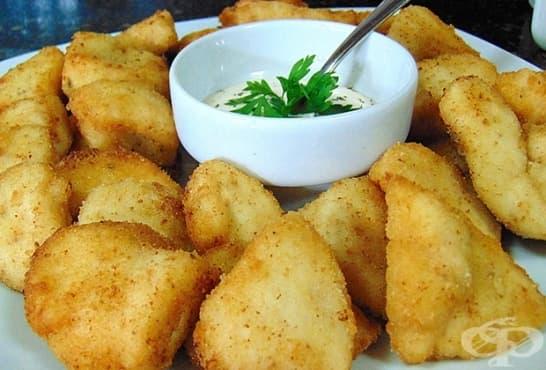 Панирани варени картофи с фин млечен сос - изображение
