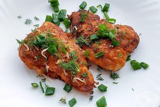 Панирано свинско с доматено пюре и кашкавал - изображение