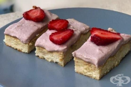 Пастички с ягодов крем от Инес Субашка - изображение