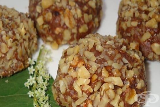 Пастички с коняк, карамелено покритие и орехи (без печене) - изображение