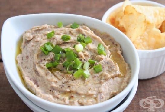 Патладжанен дип с чесън, ядки и крема сирене - изображение