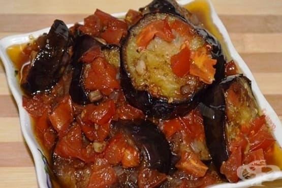 Патладжани в доматено пюре с чесън и риган (Капоната) - изображение