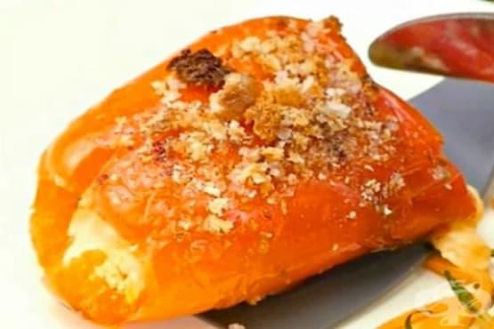 Печени чушки с шунка, моцарела и кашкавал - изображение